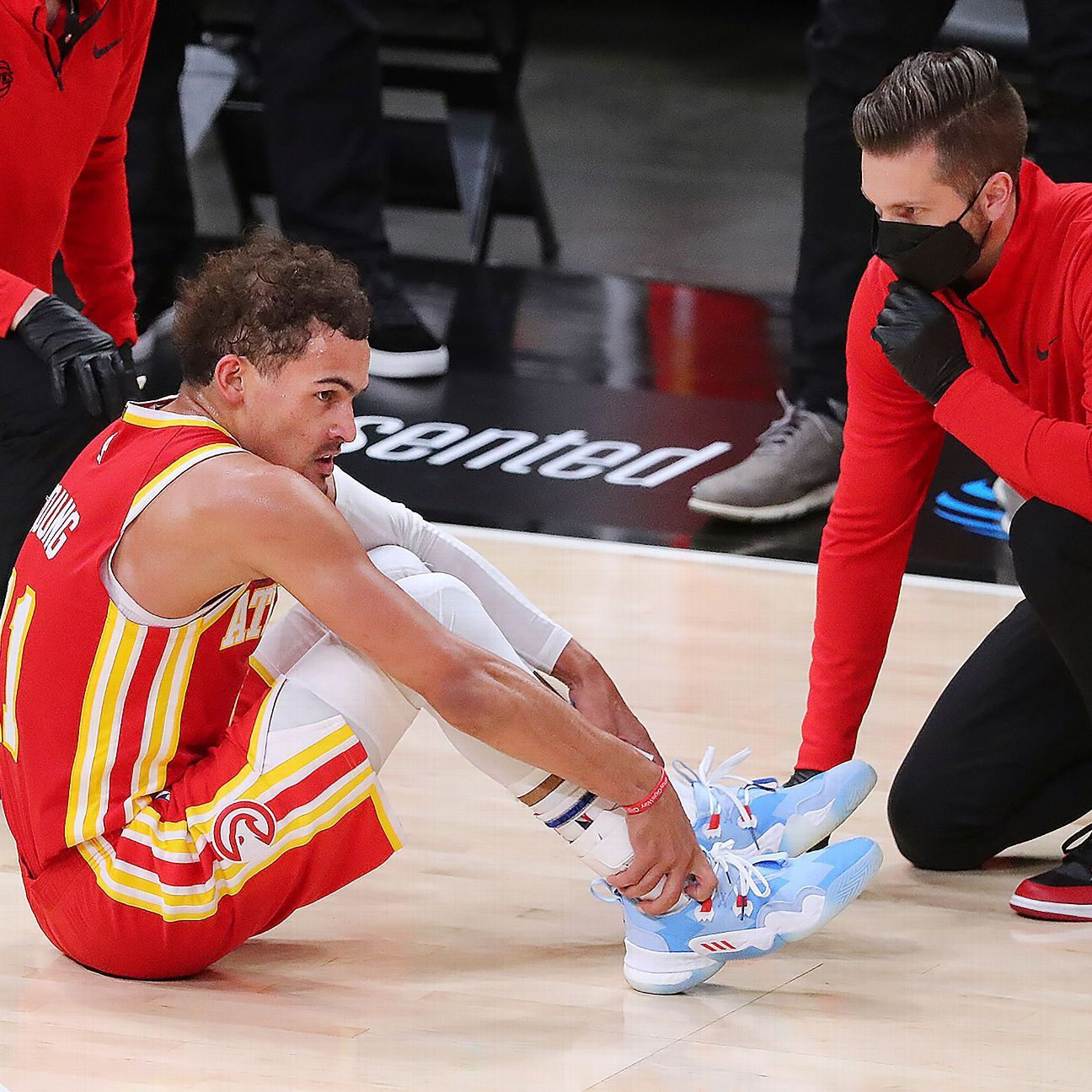 Hawks' Young listed as questionable for Game 4